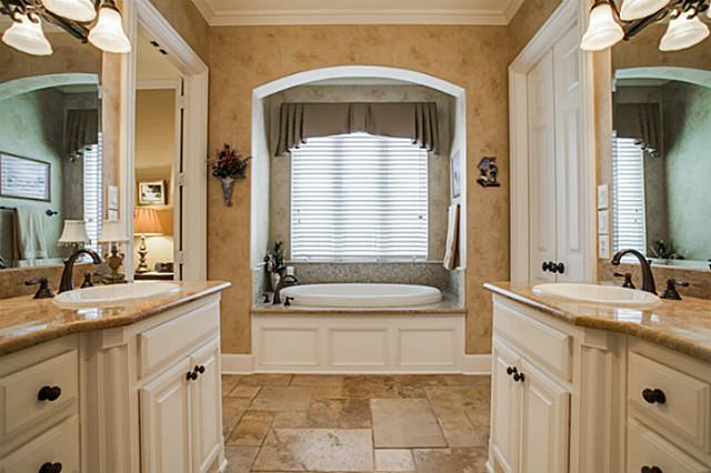 607 Naples Master Bath