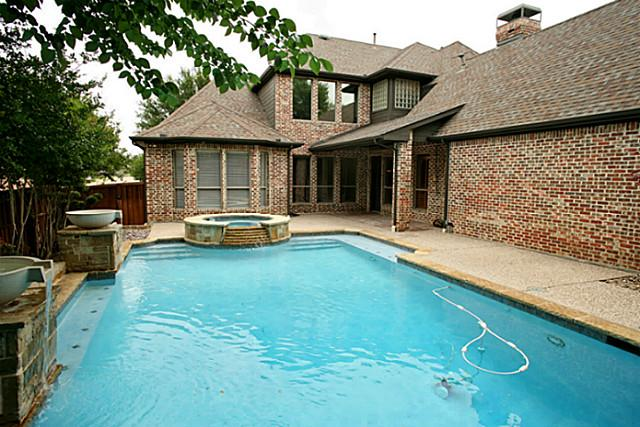 621 Shoreview Pool Backyard