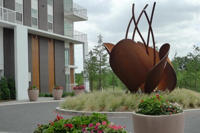 Fiori sculpture