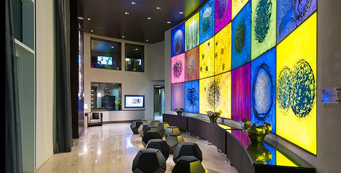 dallas_addison_texas_apartments_fiori_chihuly_artwork_680_2