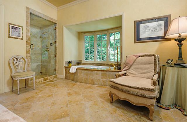 4307 Armstrong bath