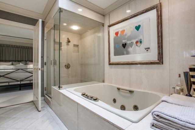 6909 Tokalon Master Bath 2