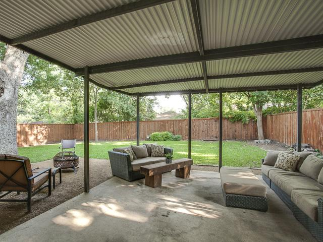 881 Berkinshire Covered Patio