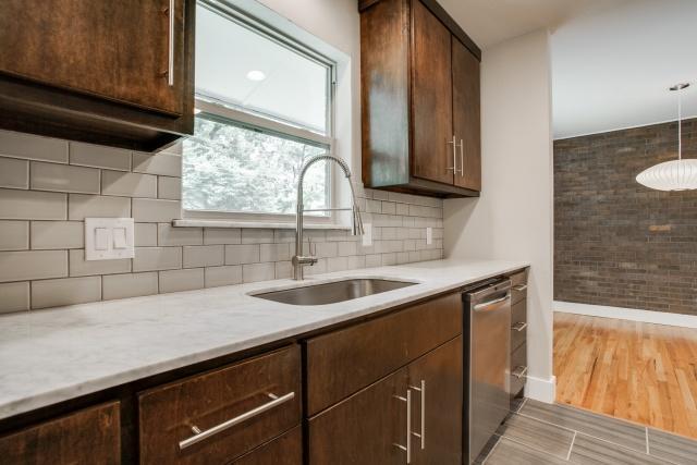8911 Rolling Rock Kitchen Sink