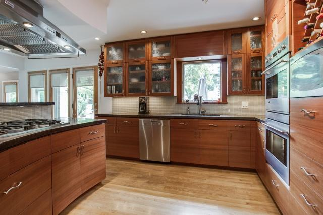 9623 Athlone Kitchen 2