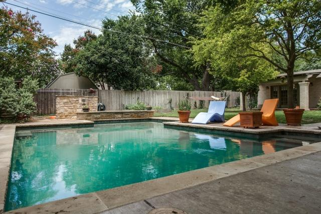 9623 Athlone Saltwater pool