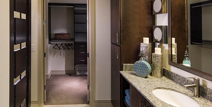 dallas_addison_texas_apartments_fiori_BTH_A1B_680_1