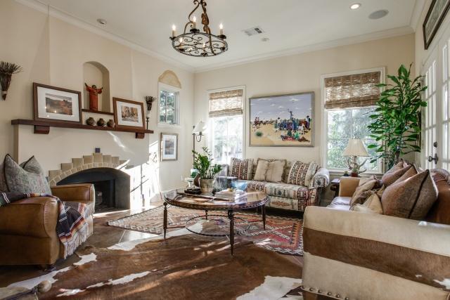 3624 Vintage Place Living