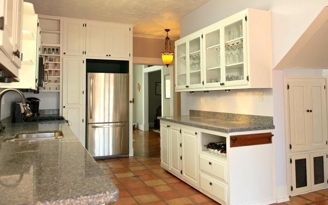 4826 Swiss Kitchen