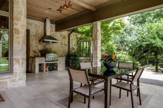 5019 Shadywood outdoor kitchen