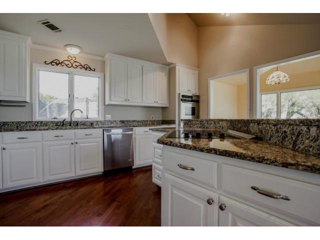 840 Highridge Kitchen
