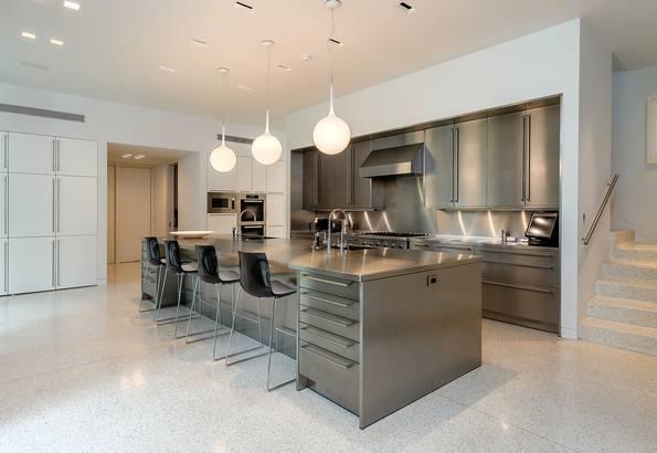 10210 Strait Kitchen