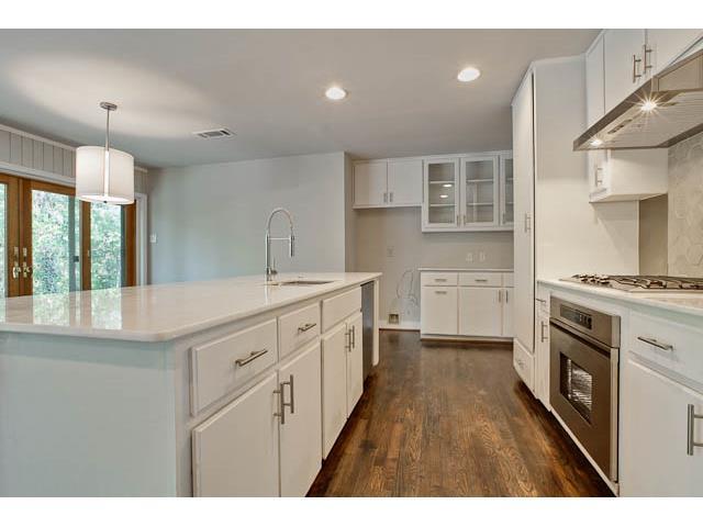 10305 Crittendon Kitchen 2