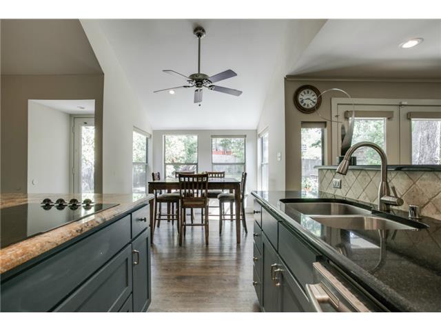 10484 Silverock kitchen1