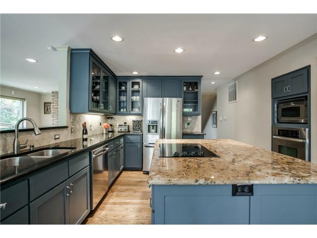 10484 Silverock kitchen2