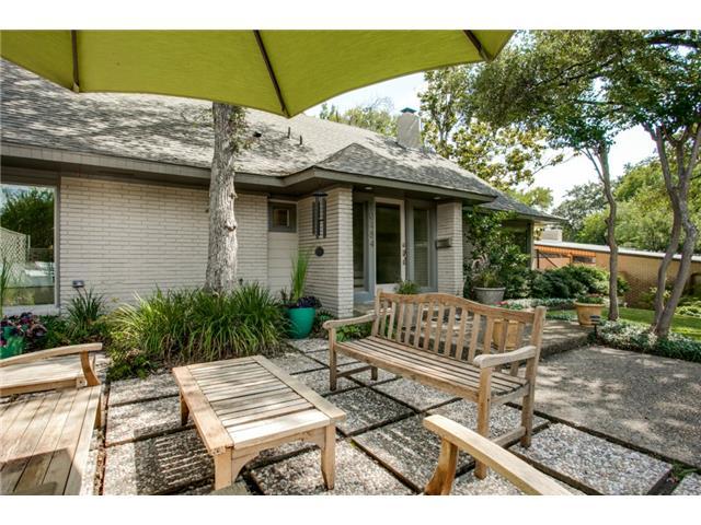10484 Silverock patio 2