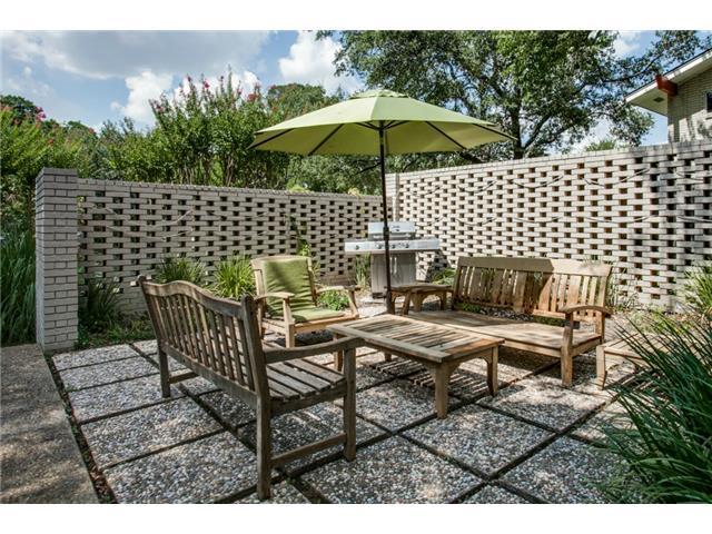 10484 Silverock patio