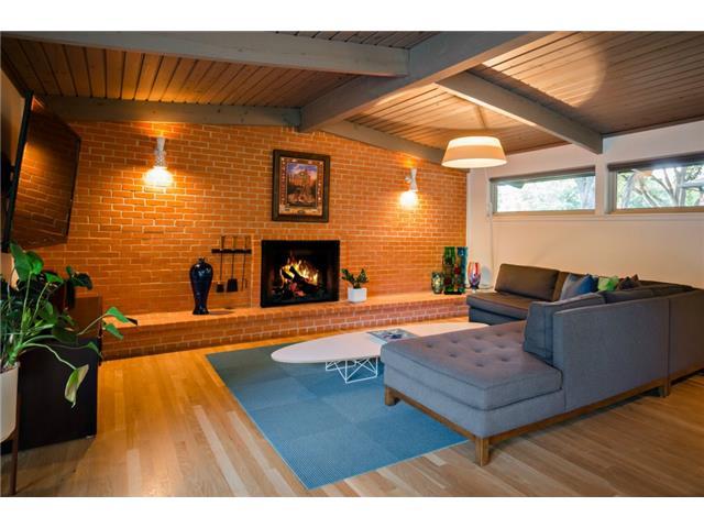 10722 Royal Springs Fireplace