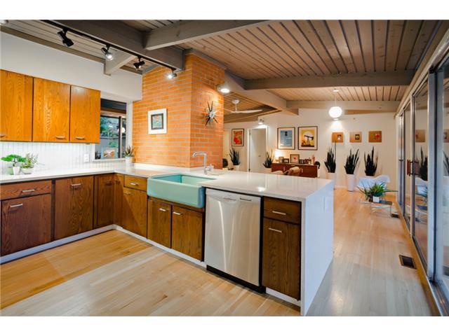 10722 Royal Springs Kitchen Dining