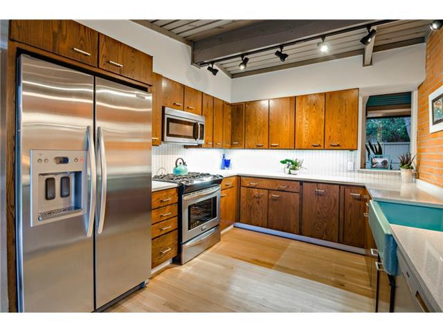 10722 Royal Springs Kitchen