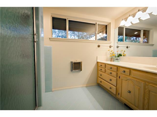 10722 Royal Springs Master Bath