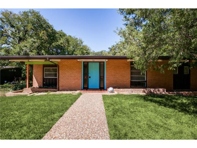 A Midcentury Modern Dream on a Dramatic Lake Highlands Lot ...