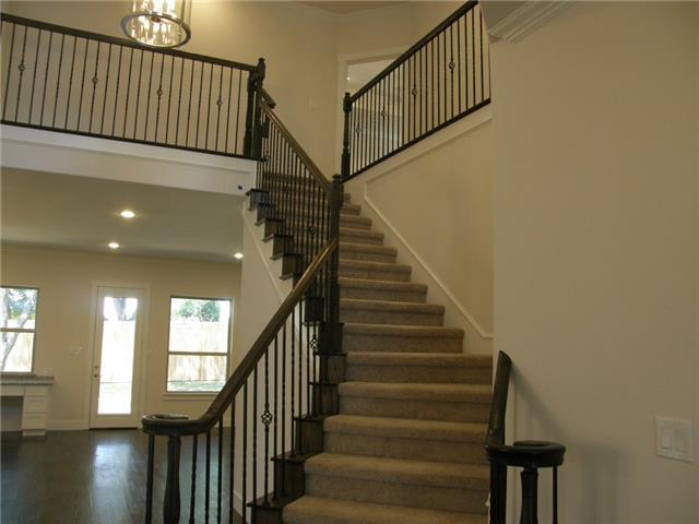 Gorgeous Staircase!