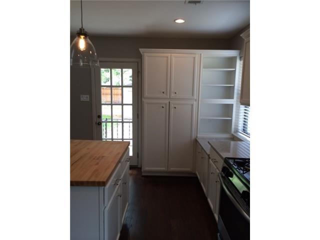 3762 Park Lane Kitchen Storage