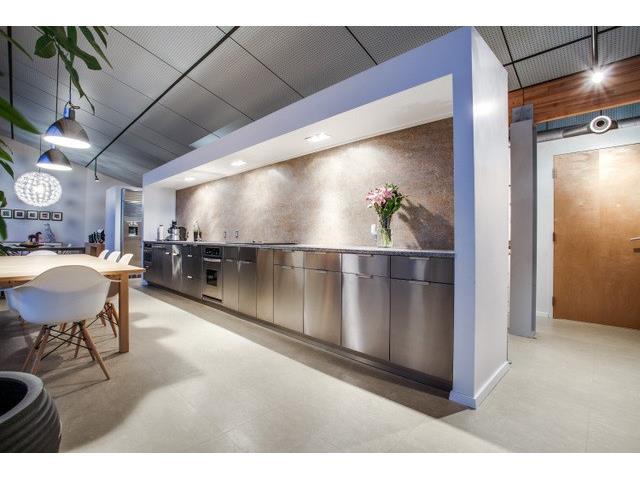 456 Remuda kitchen 2