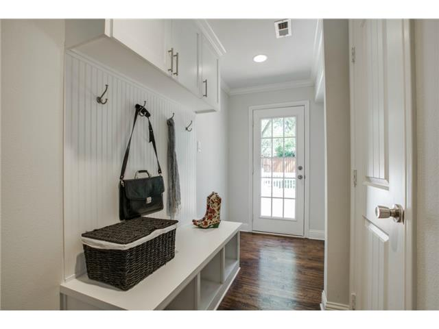9836 Gooding Mudroom