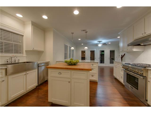 1210 N. Winnetka Kitchen