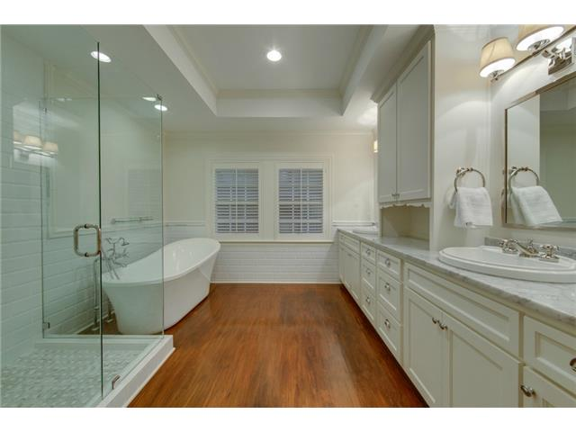 Beautiful master bath with shower, soaking tub and dual sinks.