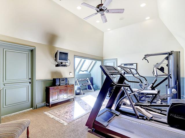 Flex Room upstairs.  Used as indoor gym.  Could be a 5th bedroom