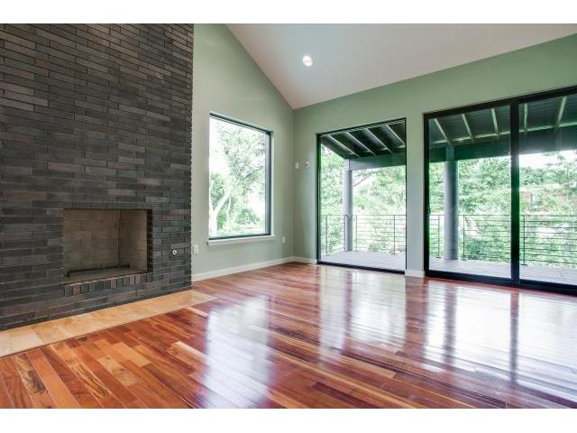 2223 Kessler Woods Ct Fireplace