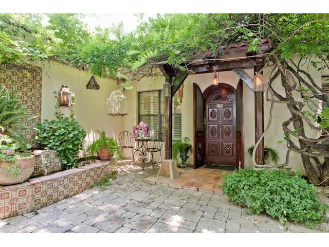 3544 Rankin Courtyard