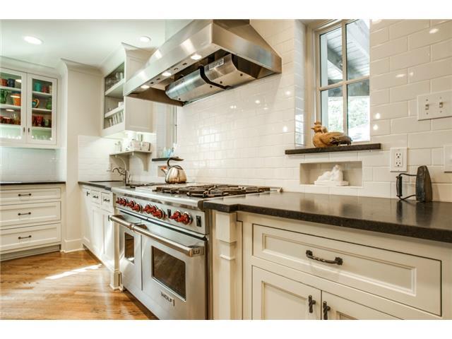 4420 Windsor Kitchen 2