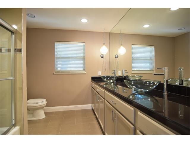7031 Midbury Master Bath 2