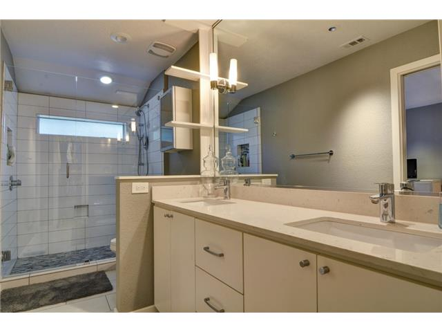 9221 Shoreview Master Bath