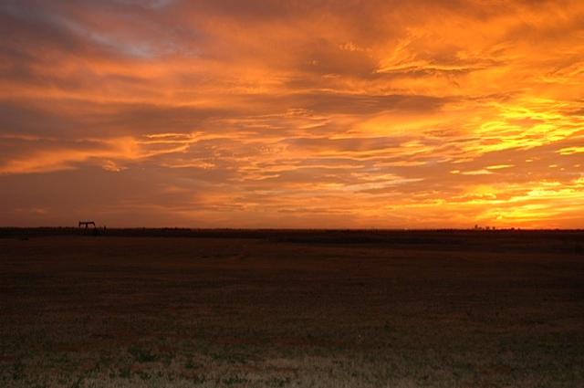 Midland sunset skyline