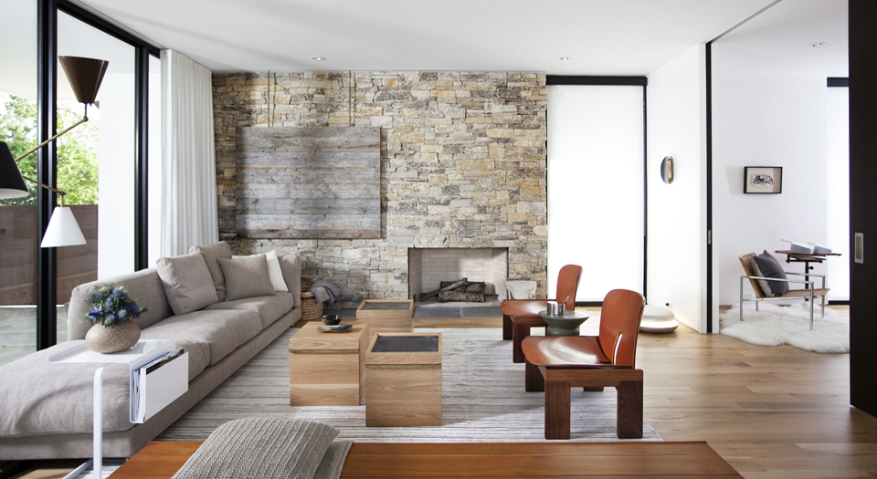 Reclaimed barnwood is used on an accent wall. (Photo courtesy of David Gross Fine Homes)