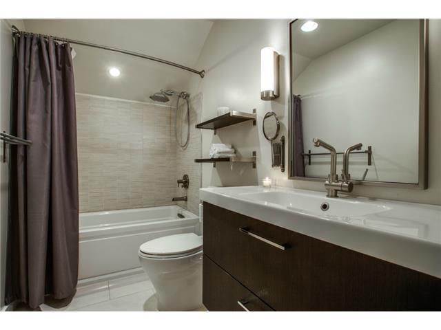 10830 Hayfield Master Bath