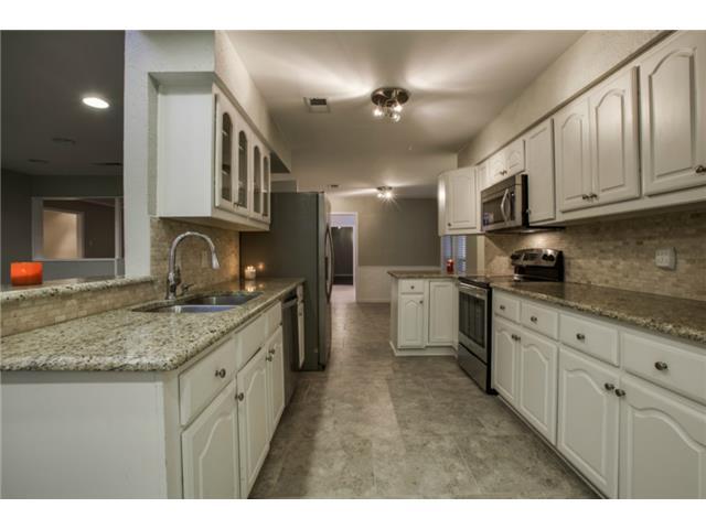 13016 Fall Manor Kitchen