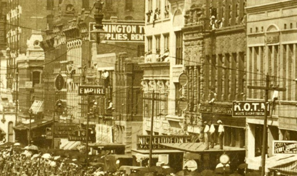 This is what the 1600 block of Main Street in downtown Dallas looked like in 1909. Part of this block was razed by Headington Companies to expand their hotel. (Photo: FlashbackDallas)