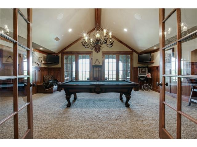 1724 Wisteria Way Game Room
