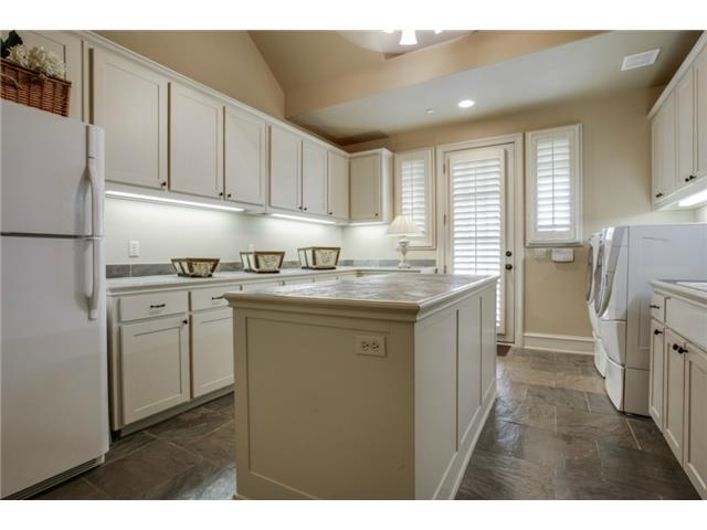 1724 Wisteria Way Laundry Utility Room