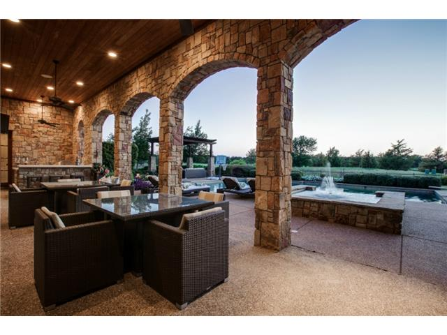 1724 Wisteria Way Loggia