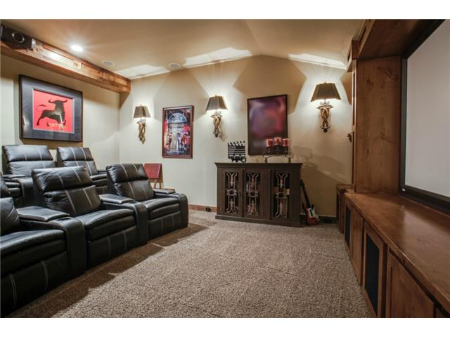 1724 Wisteria Way Media Room