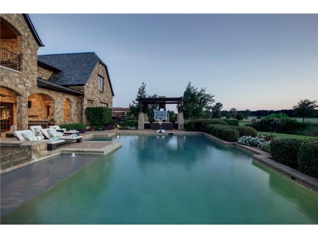 1724 Wisteria Way Pool