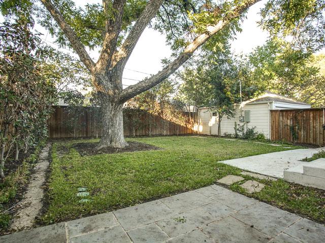 6159 Kenwood Backyard