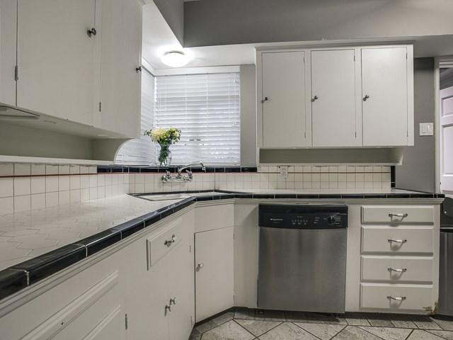 6159 Kenwood Kitchen 3
